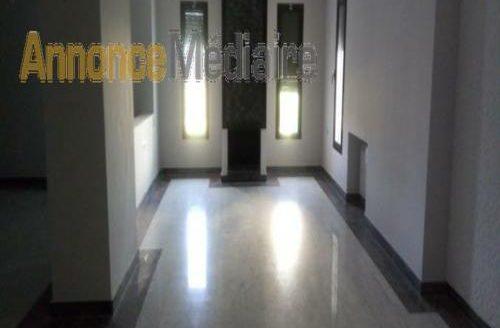 Bouskoura : Villa 1000 m2 isolée à vendre
